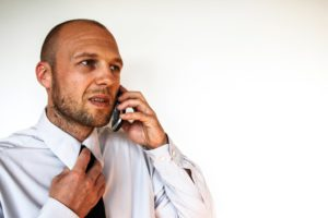 Job-man-got-worried-during-phone-call